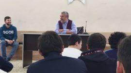 Nokta Gençlik Merkezi 23. Hafta Sohbetinde Yıldız Teknik Üniversitesi Genel Sekretesi Prof.Dr. Bayram Ali Ersoy Beyefendi Misafirimizdi.11 ve 12. Sınıf öğrencilerimizle Müslüman bilim adamlarını konuştuk. Gençler merak ettiği soruları sordular..