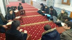 Kuran'la Dirilen Bir Gençlik