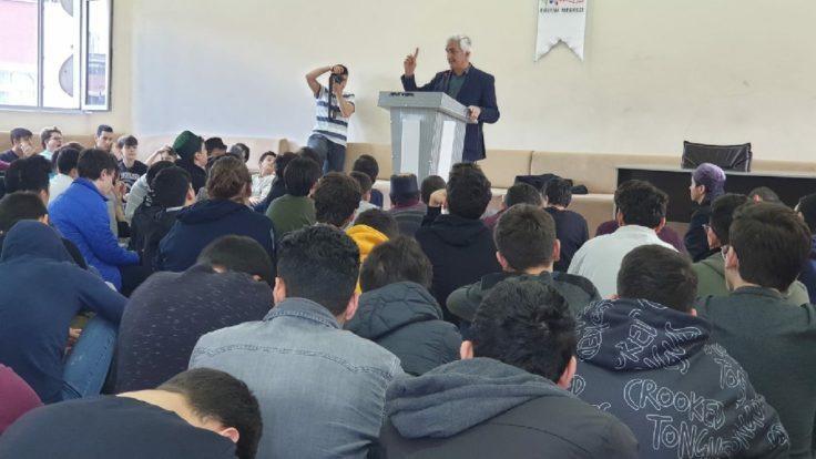 Namaz Platformu sözcüsü Yazar Abdullah Yıldız Hocamız misafirimiz oldu.. Gençlerimiz hocamızdan ziyadesi ile istifade ettiler..
